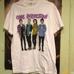 Tops - One direction on the road again T-shirt